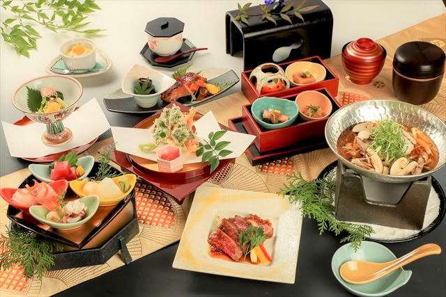 懐石料理5,000円(税抜き) ※季節により内容が異なります。