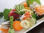 新鮮、目にも鮮やかな鮮魚のお刺身!