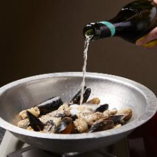 味、香り、見た目の変化が楽しめる♪ シャンパン鍋プラン