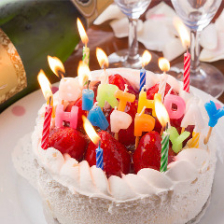 お誕生日の方へ♪ホールケーキを贈呈