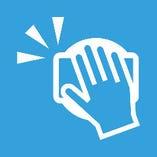 お会計は非接触型決済、コイントレイを利用。 スタッフは、お客様と一定間隔を保持し、接客にあたります。