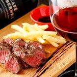 赤味の旨い 牛肩ロース肉のステーキ