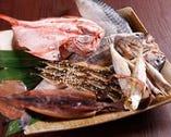 魚然名物!炉端焼き 特大ほっけなど食べ応え抜群です