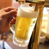 1枚めのお肉と1杯めのビール…♪仕事疲れも一気にふきとびます!!