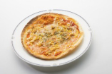 ツナとコーンの薄焼きピザ