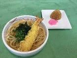 天ぷらうどんと焼きおにぎりセット