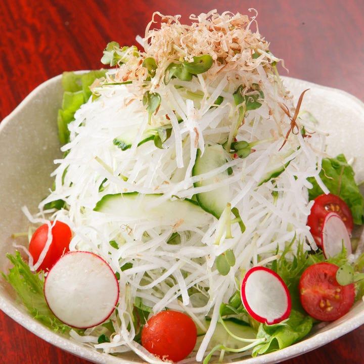 刺身・海鮮・サラダなどサイドメニューも充実のラインナップ