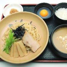 〆までこだわる究極のつけ麺