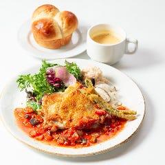 日替わりランチ(スープ+ゆだねパンorライス)