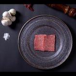 シンプルな調味で肉の美味しさが引き立ちます