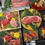 お肉とドリンクをお得に楽しむ宴会コース6800円からご用意。