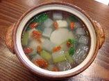 本日のスープ~枸杞・冬瓜・旬菜のスープ