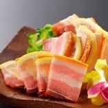スーチカー(熟成豚肉の島マース漬け)