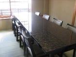 お二階テーブル席