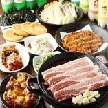 60種以上の韓国料理を味わえる食べ飲み放題コース2,980円(税抜)