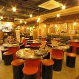 《テーブル席》カジュアルに韓国料理やお酒を楽しむ(2〜8名様)