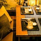 接待や会食におすすめの落ち着きある和空間。