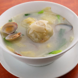 サツマイモの団子スープ。福建を代表する家庭料理の一つです。(1,000円/税抜)