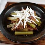 高原豚、蕗と竹の子の梅肉炒め