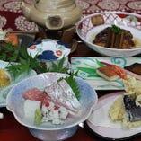 会席料理で使用する食材は旬を活かし、季節によって変わります。
