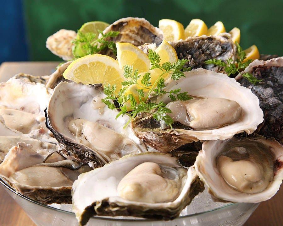 全国各地から仕入れているため、一年中新鮮な牡蠣が愉しめます。