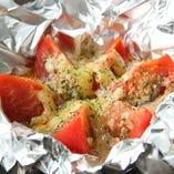 丸ごとトマトのチーズ蒸し