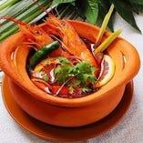 身体が温まるピリ辛のアジアン料理やお得なランチセットも♪