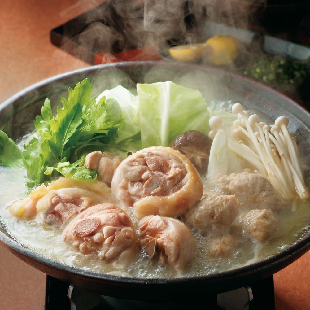 水たきはスープが命!8時間炊いた濃厚華味鳥スープをご堪能あれ