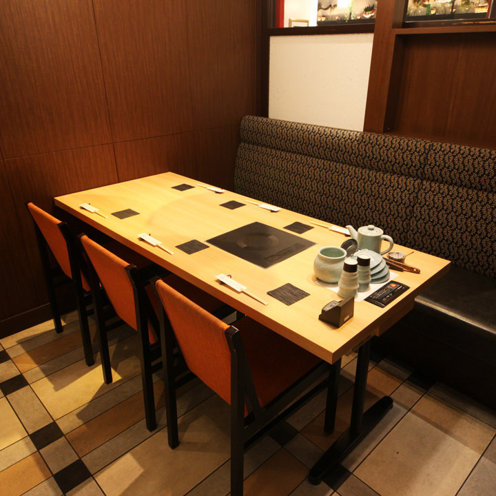 テーブル席・半個室・6名様まで