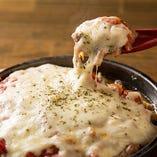 【創作逸品も】 自家製ピザやチーズ焼きなどのバルメニューも◎