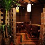 【12名様まで】木肌のぬくもりを感じさせる大人の隠れ家空間!各種飲み会にどうぞ