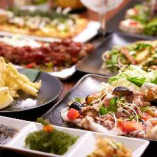 沖縄料理 &創作料理 幅広いメニューでお待ちしております。