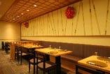 高級感あふれる上品な空間で、酒食の時間をお楽しみください。