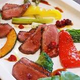 鴨胸肉のロースト ベリーソース 1,800円
