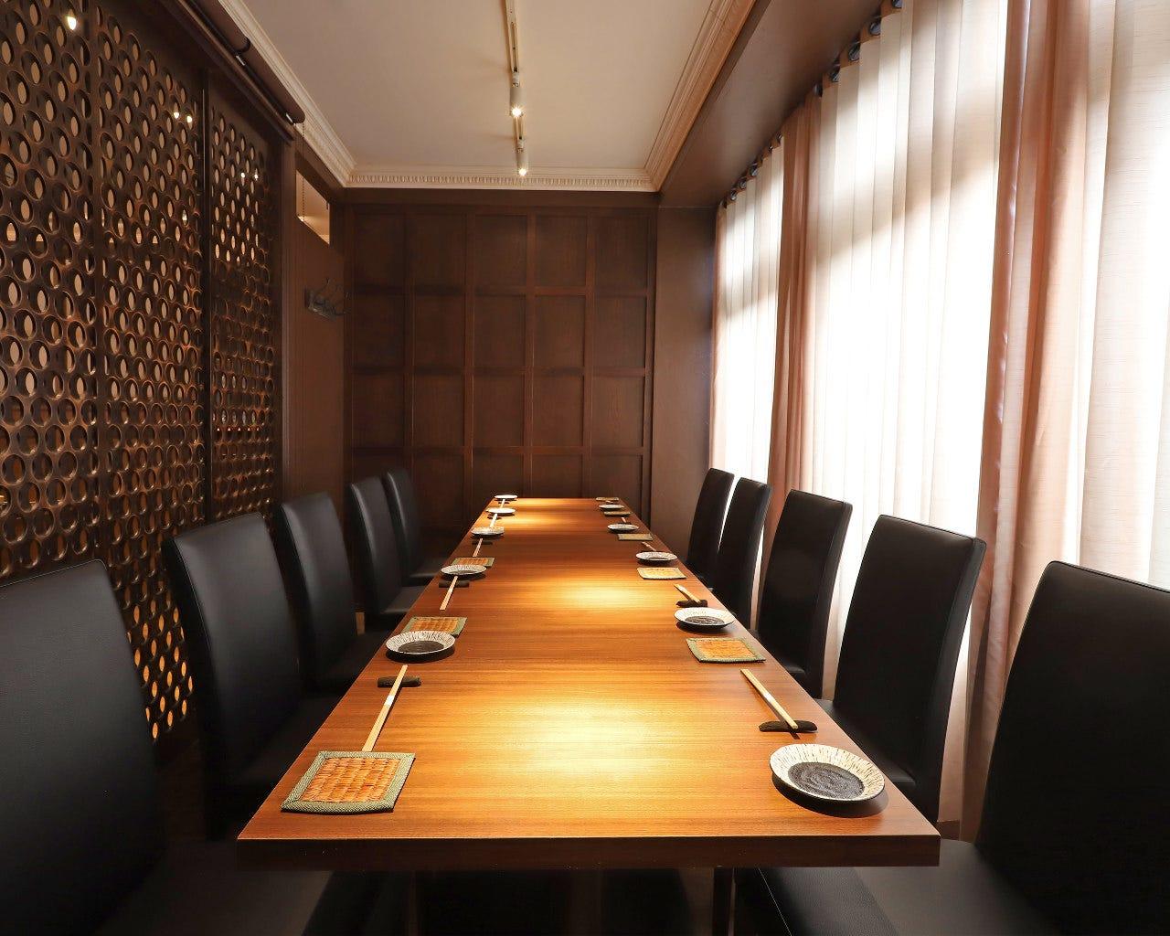 10名様まで利用可能。 会食に最適、個室。