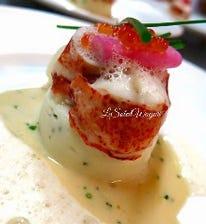 オマール海老料理は、当店の定番です