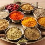 [スパイス30種類以上] 本場インドのスパイスを調合!嬉しい選べる辛さ