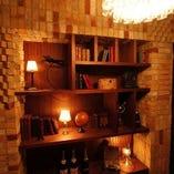 モダンアンティークの家具が落ち着いた雰囲気を演出。