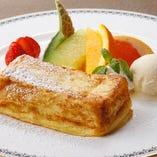 世界に名高いオークラ伝統のフレンチトースト1595円
