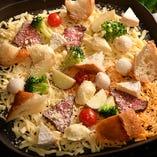ローストビーフと野菜の焼きチーズフォンデュ