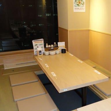 すし屋銀蔵 新宿NSビル店 店内の画像
