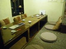 アパートの一室にある小さな居酒屋