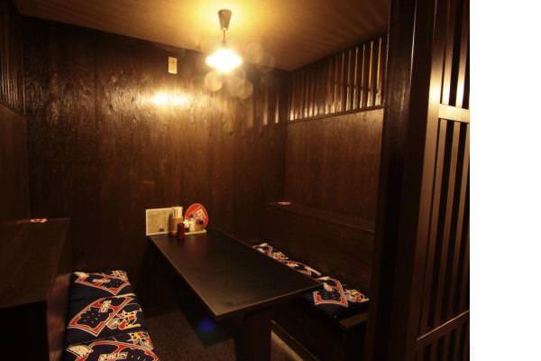 おしゃれな個室と御座敷でゆったり