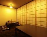 2Fは、4つの個室。2名様からOK! 京町屋風の落ち着いた雰囲気。