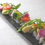 旬の魚&彩り野菜のカルパッチョ しょっつるソース