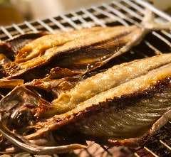 当店一押しの旬の天然魚の無添加自家製一夜干し