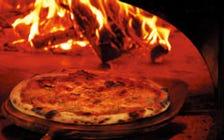 本格ピッツア!薪窯職人が作る伝統の味