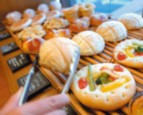 パン・デザート・ピッツァの テイクアウトもできます。