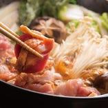 当店人気の【鶏すき鍋】【東京都】