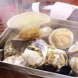 豊富な種類が楽しめる、貝のガンガン蒸し!